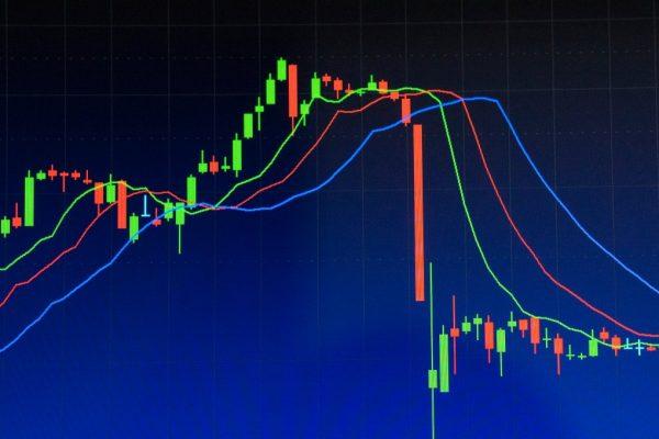 Продать элитный алкоголь сейчас или ждать роста цены в будущем?